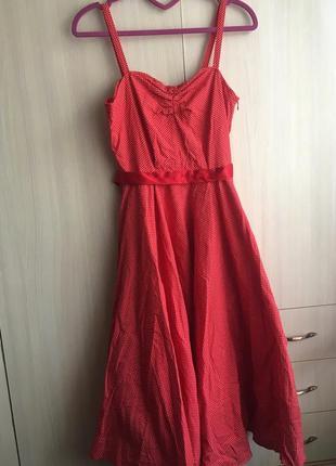 Натуральное красное платье в горошек