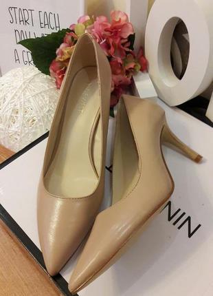 Туфли кожаные бежевые nine west