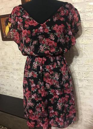 Шифоновое платье в цветочки