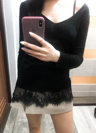 Чёрная кофта с кружевом