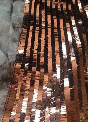 Наволочка с коричневыми пайетками