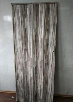 Дверь гармошка раздвижная 810х2030х6 мм - асортимент цветов и раз