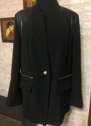 Черный пиджак на подкладке, с вставками из эко кожи