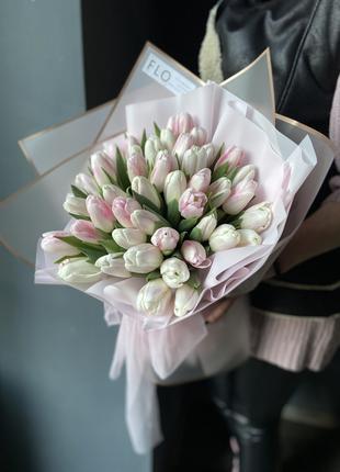 Букет 51 тюльпан за 790 грн
