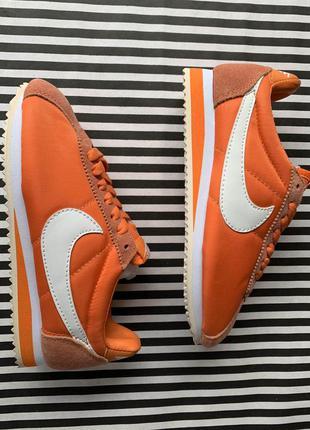 Кроссовки nike classic cortez nylon легкие оранжевые