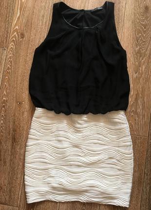 Черно-белое платье, на подкладке