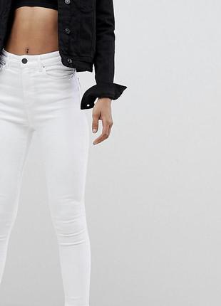 Актуальные белые скинни  штаны,джинсы с высокой посадкой и с к...