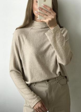 Гольф бежевый свитер джемпер водолазка кремовый оверсайз объем...