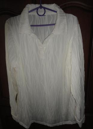 Молочная фактурная блуза