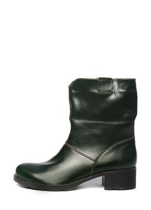 Женские кожаные зеленые короткие сапоги полусапоги с широким г...