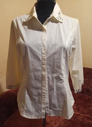 Стрейчевая рубашка с декором soya