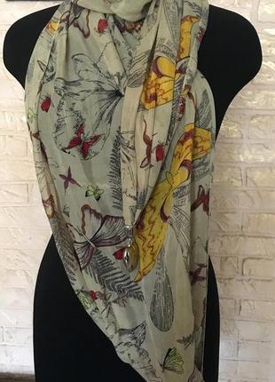 Легкий шарф с бабочками