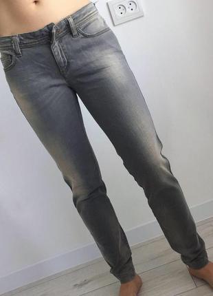 Джинсы, джинси, брюки, штани.