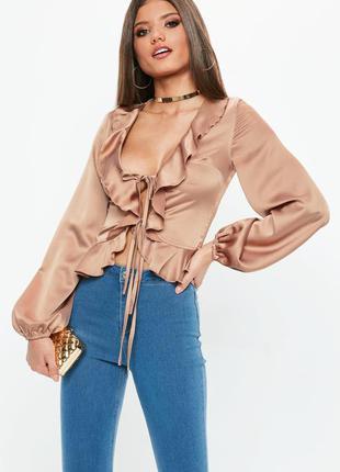 Невероятная сатиновая блуза с юшами missguided