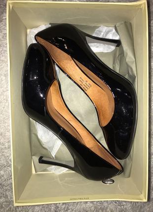 Красивейшие лаковые туфли