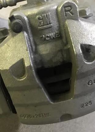 Суппорт +скоба перед Chevrolet Bolt EV 13515459,13588983