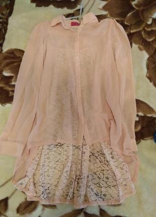 Блуза з ажурною спинкою
