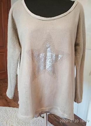 Стильный двухслойный свитерок со звездой, италия, размер 50-52.