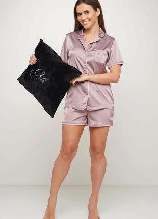 Шелковая пижама на пуговицах. Цвет -капучино.