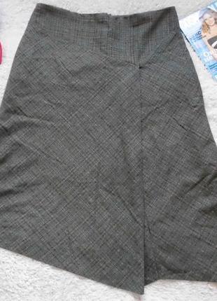 Асимметричная шерстяная юбка в клетку