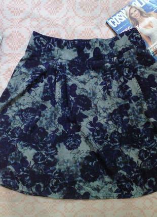 Легкая цветочная юбка с карманами в розы