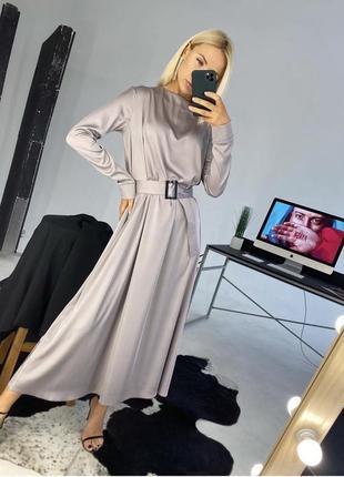 Серое шелковое платье-макси