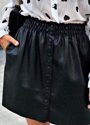Лаконичная юбка-трапеция, талия с эластичным поясом, по бокам ...