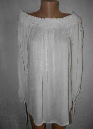 Белая новая блуза с кружевом