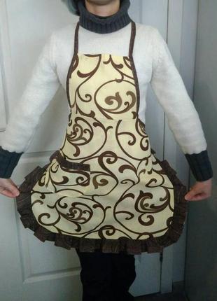 Кухонный фартук с вензелями - отличный подарок к любому праздн...