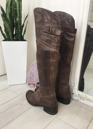Демисезонные кожаные сапоги ботфорты италия