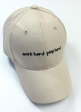 Бейсболка work hard play hard головные уборы 1339