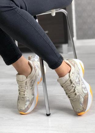 Шикарные кроссовки nike m2k tekno