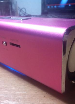 Портативная колонка MusicMan Micro SD, USB розовая