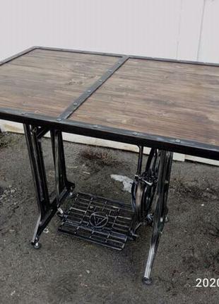 Стол из станины швейной машинки лофт, индастриал