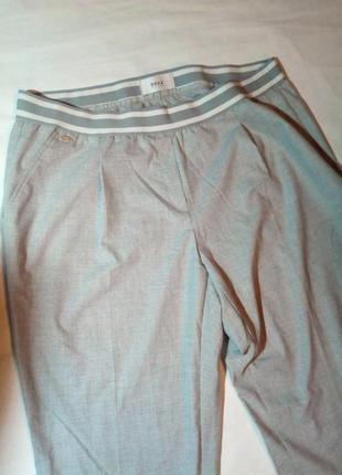 Брендовые брюки на эластичной резинке. brax