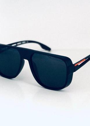 Солнцезащитные очки с полным комплектом