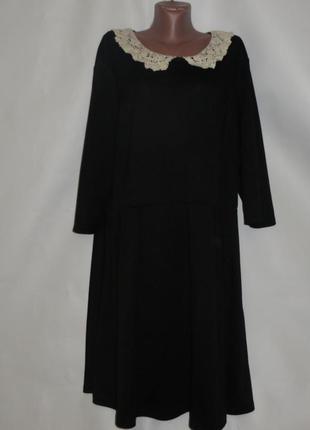Черное платье с воротничком р.24