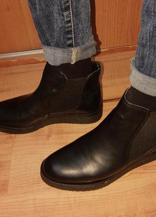 Кожаные ботинки полусапожки женские модные