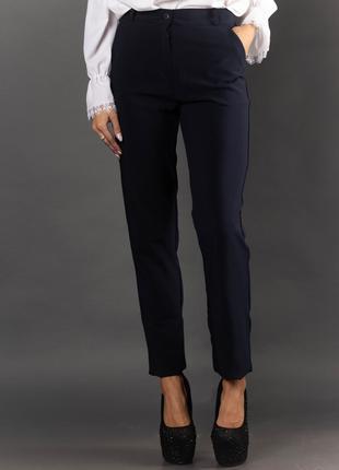 Женские офисные брюки с карманами 2010