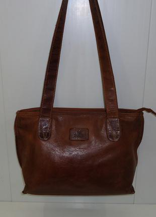 Стильная кожаная сумка Rowallan