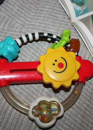 Фирменные развивающие игрушки,погремушки в отличном состоянии