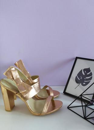 👠жіночі золотисті босоніжки, босоножки missguided