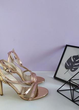 👠жіночі елегантні золотисті босоніжки, босоножки від asos