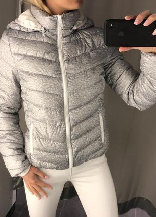 Тёплая куртка на синтепоне серая стёганная курточка. amisu. ра...