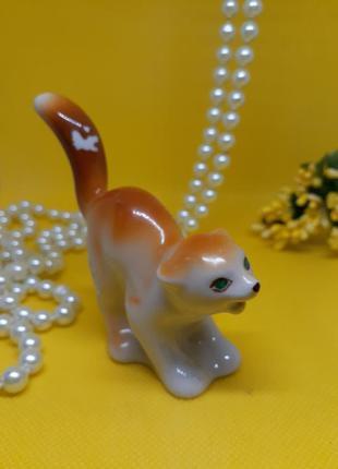 Кот-озорник полонное ссср фарфоровая сувенирная статуэтка котенок