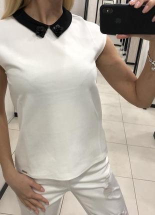 Белая блузка кофточка с воротничком. mohito. размеры уточняйте.