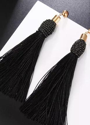 Серьги кисточки длинные чёрные с плотной нитью