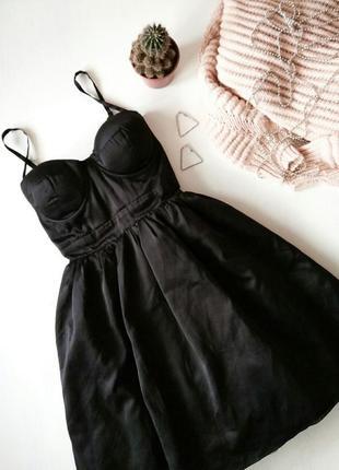 Невероятное коктейльное нарядное короткое платье бюстье с пышн...