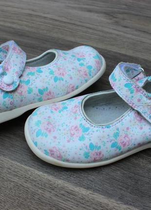 Туфли в цветочек start-rite england натур. кожа 23-24 размер