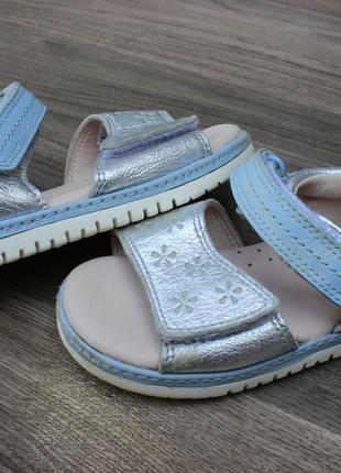 Кожаные сандалии босоножки clarks оригинал 23 размер